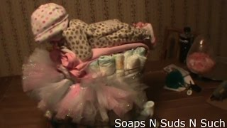 Making a diaper cake, Making a diaper baby, Making a tutu for baby, DIY Crafting