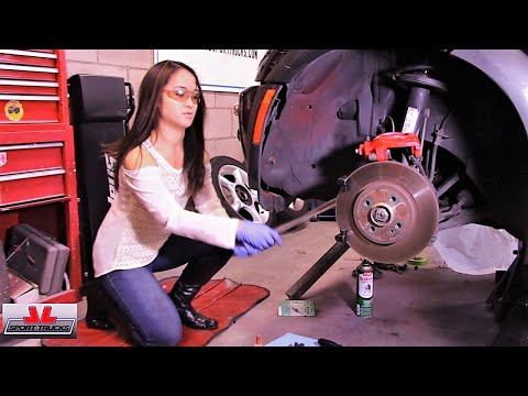 Lovely Jade ing how to replace the Front Brake Pads and Paint the Calipers on R50 Mini Cooper