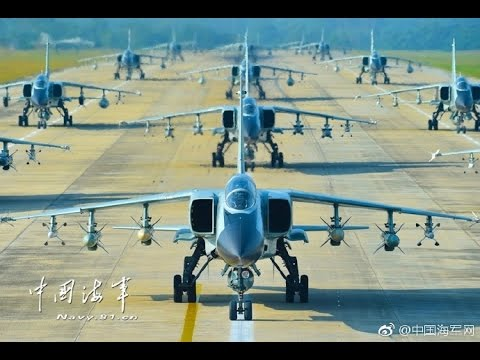 Chinese fighter-bombers patrolling around South China sea islands