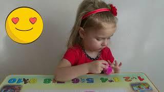 Катя делает себе макияж Makeup for little girls Детское видео