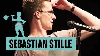 Sebastian Stille – Mein Leben ist wie der Seitenspiegel des Toyotas
