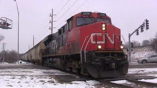 CN ADM Shuttle Train at 42nd St Cedar Rapids, IA