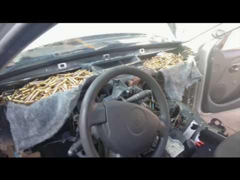 Polícia apreende armas e munições em painel de carro