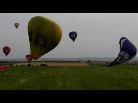 Fast hot air balloon landings (Lorraine Mondial Air Ballons 2013)