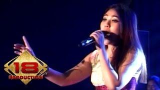 """Download Lagu KERENN !! """" VIA VALLEN """" YANG DULU ~ KALUNG EMAS (Live Konser Purwodadi Grobogan 19 Maret 2016) mp3"""