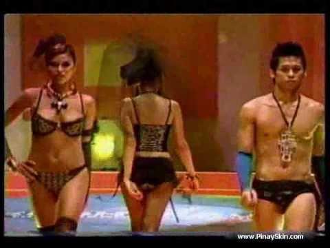 Sexy Hot Asian Model Cosplay Nurse strip teaseKaynak: YouTube · Süre: 3 dakika8 saniye
