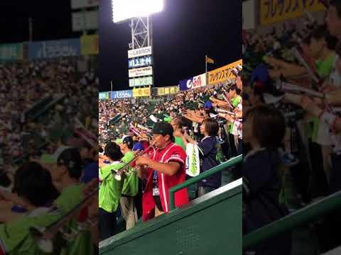 ヤクルト 山田哲人応援歌  前奏が......    応援団横で撮影したので迫力があります!