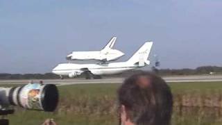 STS-117 Space Shuttle Atlantis On  Top Of  A 747 Land At KSC