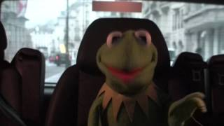 Kermit Answers Twitter about a Miss Piggy marriage...#AskKermit 26/01/12