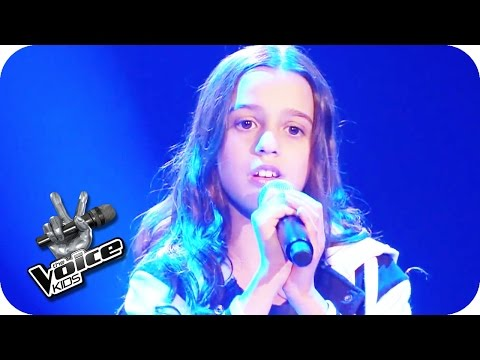 Kelly Clarkson - Mr. Know It All (Maria) | The Voice Kids 2015 | Blind Auditions | SAT.1