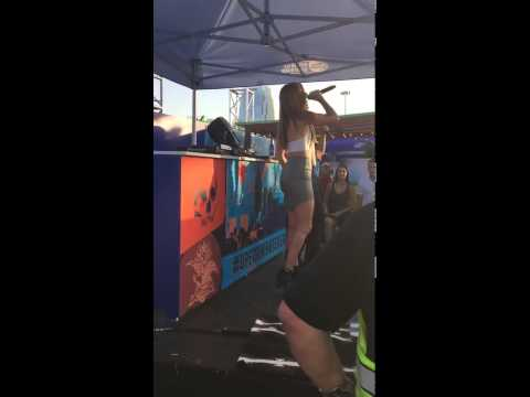Cassadee Pope surprises fan and sings karaoke with him during CMA Fest!