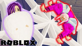JANET GETS BITTEN BY A SPIDER?! 🕷️ / ROBLOX