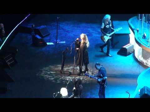"""Stevie Nicks """"Rhiannon"""" Madison Square Garden Decmber 1 2016"""