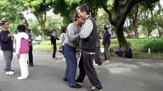 林阿(念)龍老師的太極拳經驗分享與心得交流042 http://dragontaichi.blogspot.com
