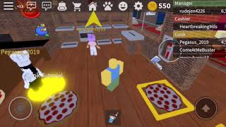 Playing Work At A Pizza Place! *DRAMA ALERT* ~ Roblox ~ Wavy Blox