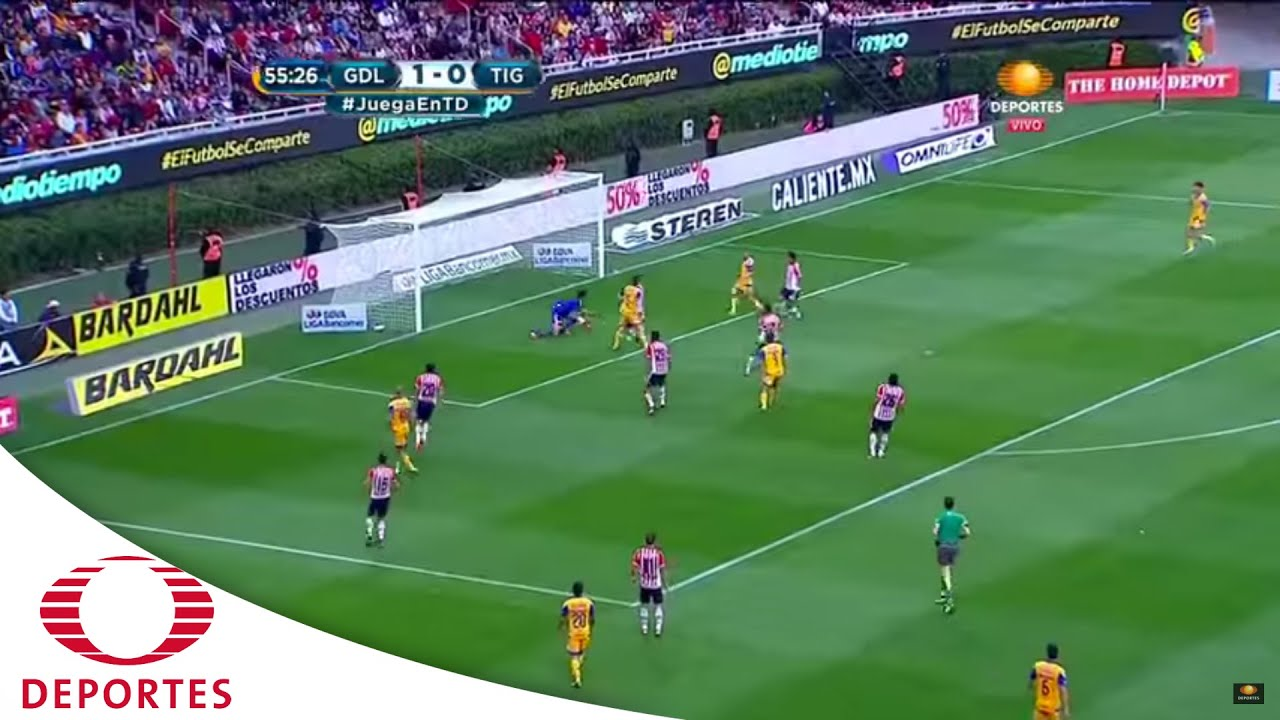 golazo de fern ndez chivas vs tigres televisa deportes youtube. Black Bedroom Furniture Sets. Home Design Ideas