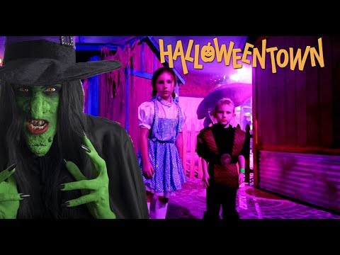 Escape The Halloween Town Witch!! Nerf Battle Summons Witch!