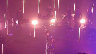 """Karen O + Danger Mouse Lux Prima """"Leopard's Tongue"""" @ Theater at Ace Hotel L.A. 9/8/19"""