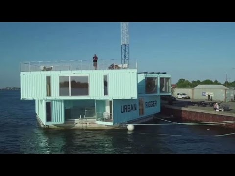 Low-cost housing, maximizing on water surface than land in Denmark