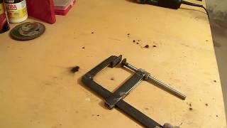 Как сделать бюджетную  F-образную струбцину для сварки/For welding clamp F-shaped,,Мастер в доме,,(Как сделать бюджетную F-образную струбцину.Изготовление самодельной F-образной струбцины для сварочных..., 2015-11-21T17:56:44.000Z)