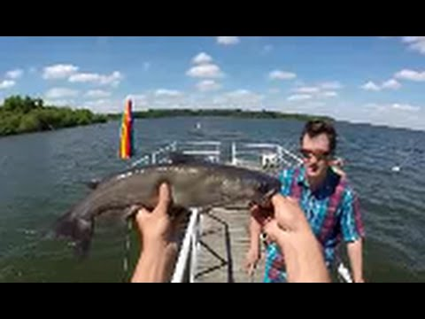 Channel catfishing with worms and bobber in lake dock for Fishing youtube channels
