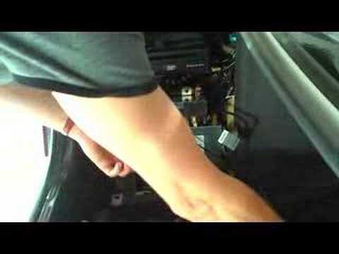 Installation video of BMW MP3 Cd changer in E39 M5