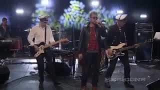 Gorillaz - Broken (Live On AOL Sessions)