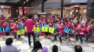 2017年4月29日に行われた「プララ杉田創業祭」での演奏の様子です♪ ジャ...