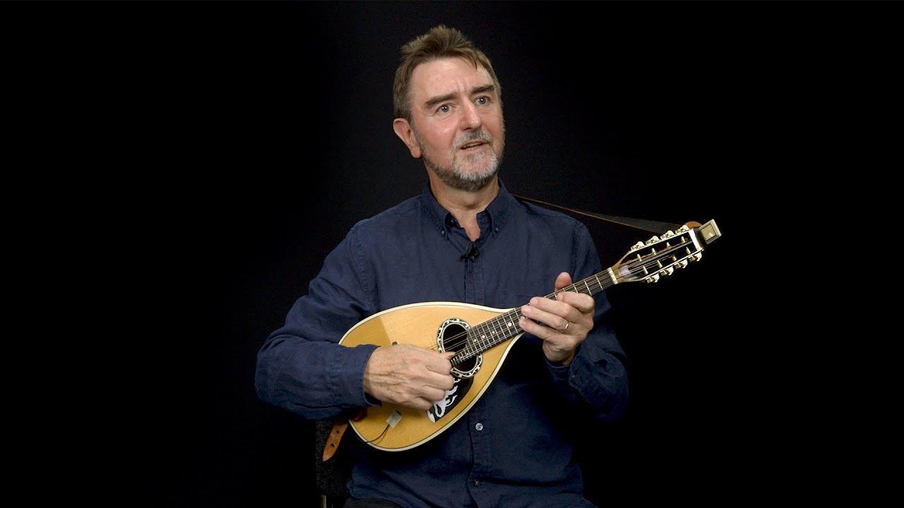 alat musik mandolin