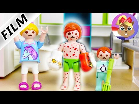 Playmobil filmpje Nederlands | JULIAN HEEFT WATERPOKKEN - EXTREME JEUK! HET GIPS MOET ERAF