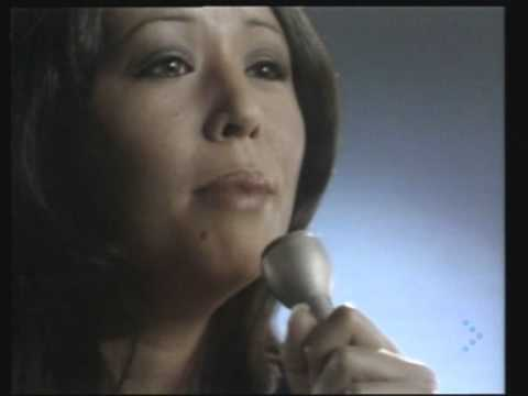 Descargar MP3 YVONNE ELLIMAN   JUST A LITTLE BIT LONGER