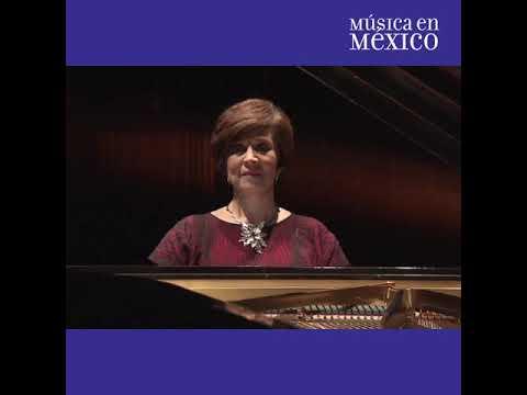 Felicitación y recital de la pianista Silvia Navarrete