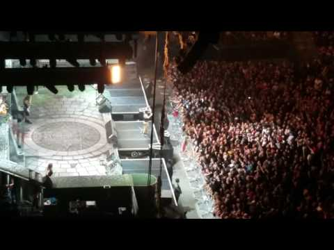 Iron Maiden Full Encore  The Number Of The Beast . Blood Brothers , Wasted Years