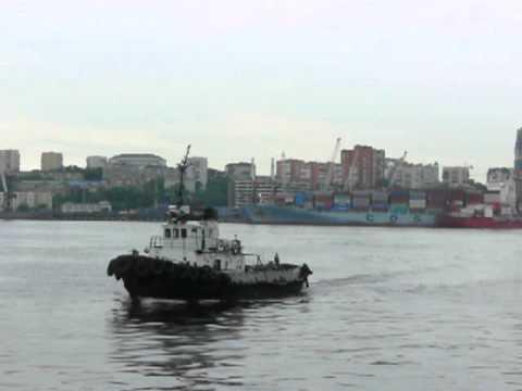 Владивосток, порт… в ожидании парома.