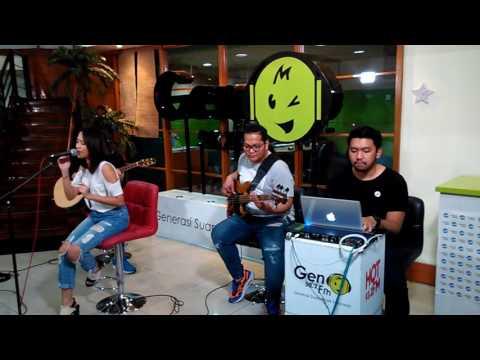 Free Download Lala Karmela - Love Affair (taping At Ganas Kustik - Gen Fm Jakarta) Mp3 dan Mp4