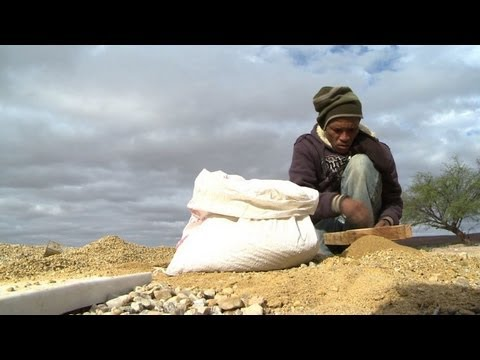 Death No Deterrent For S.African Illicit Gem Diggers