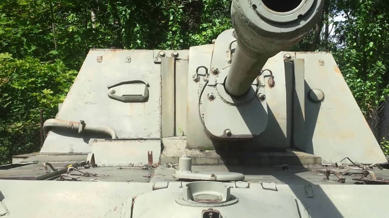 The SU-76 (Samokhodnaya Ustanovka 76) Soviet self-propelled gun ...