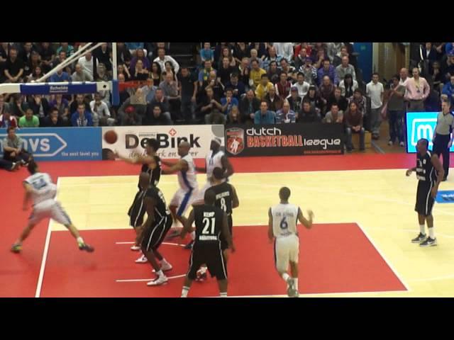Worthy de Jong Chase down Block! Leiden vs. Besiktas
