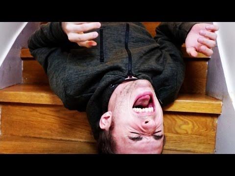 COMMENT S'AMUSER DANS DES ESCALIERS ? (DeathStair) thumbnail