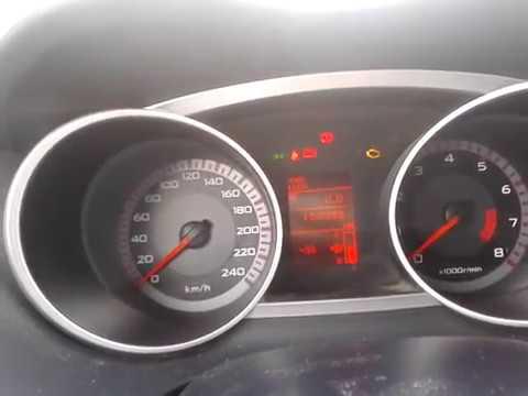Видео: Как включать фары в Mitsubishi Outlander XL: габариты и ближний свет?