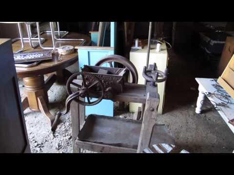 Braxton's Auction78 Honey Hole Clines Antiques. Pickers paradise