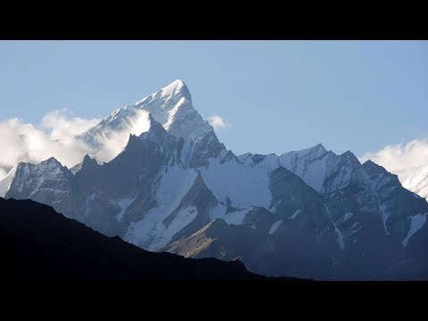 Mount Everest Bodies of four climbers found in tent