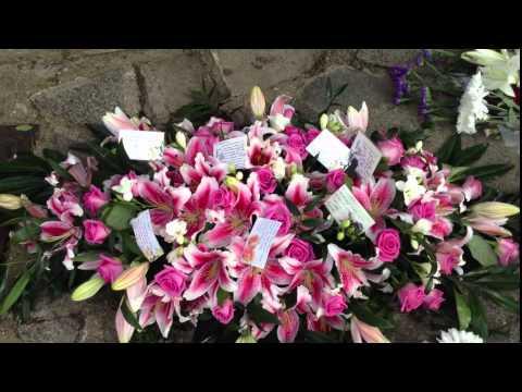 MUM - Floral Tributes