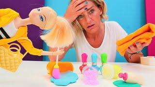 Spielspaß mit Puppen. Chloe arbeitet im Schönheitssalon. Video für Kinder.