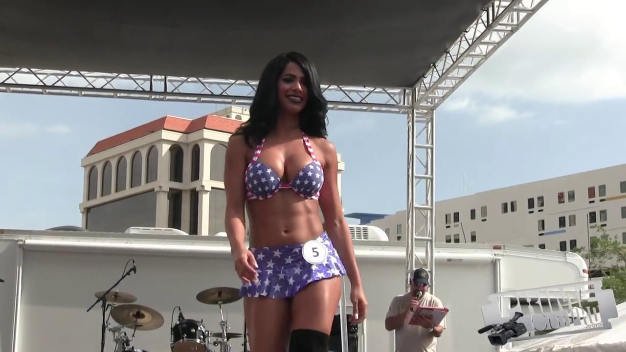 Does hooters swimsuit pageant girls