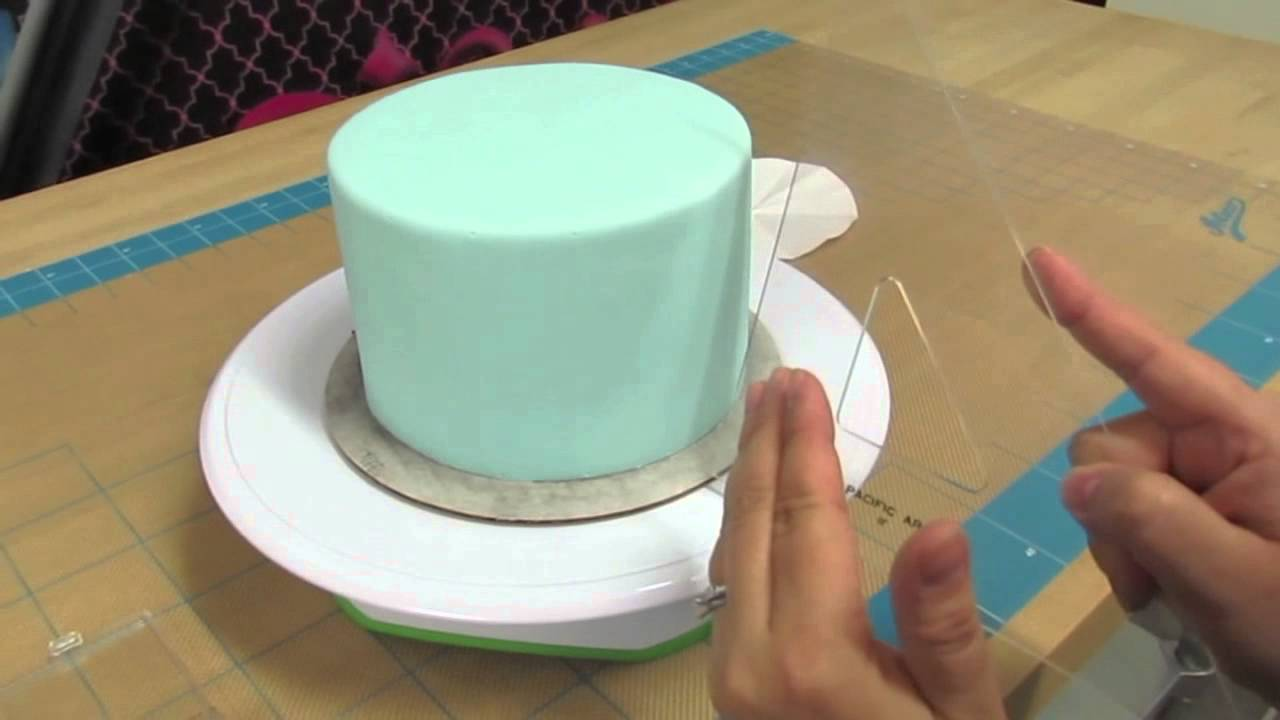 How To Create Quilt Pattern On A Cake The Krazy Kool Cakes Way