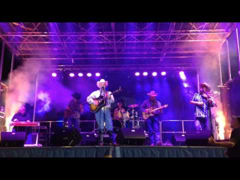 Daryle Singletary - Too Much Fun - In Concert