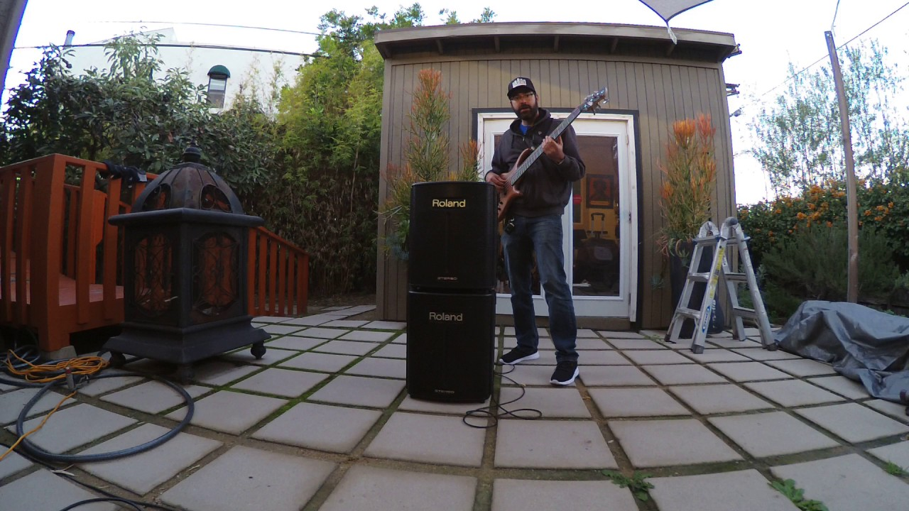 the best battery powered bass amp roland ba 330 review youtube. Black Bedroom Furniture Sets. Home Design Ideas