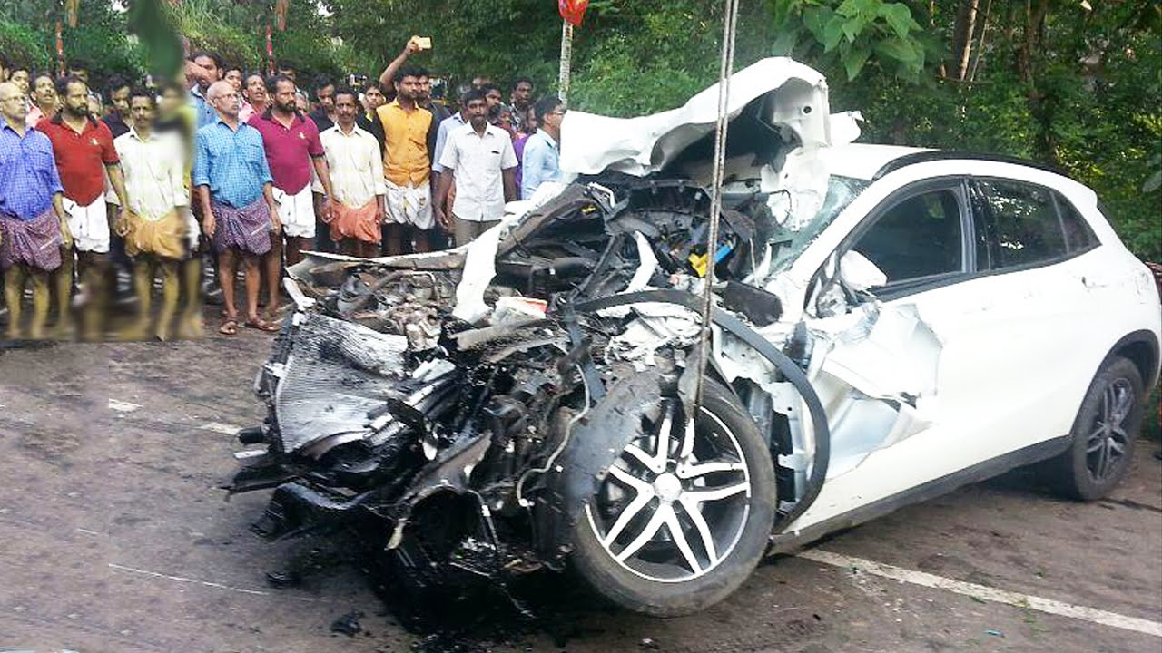Latest Car Accident of Mercedes Benz A class - Road ...