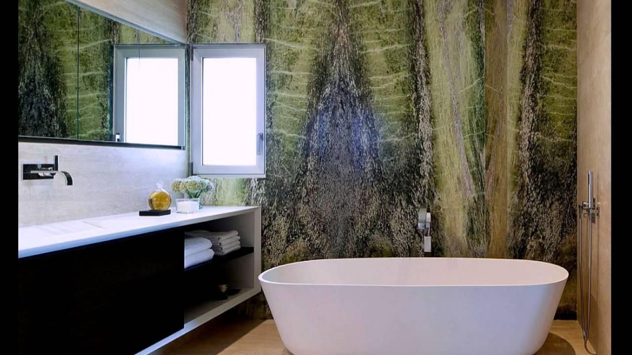 Irish Green Marble Schafft Eine Lebhaft Akzent Wand Im Modernen ... Badezimmerdeko Wand